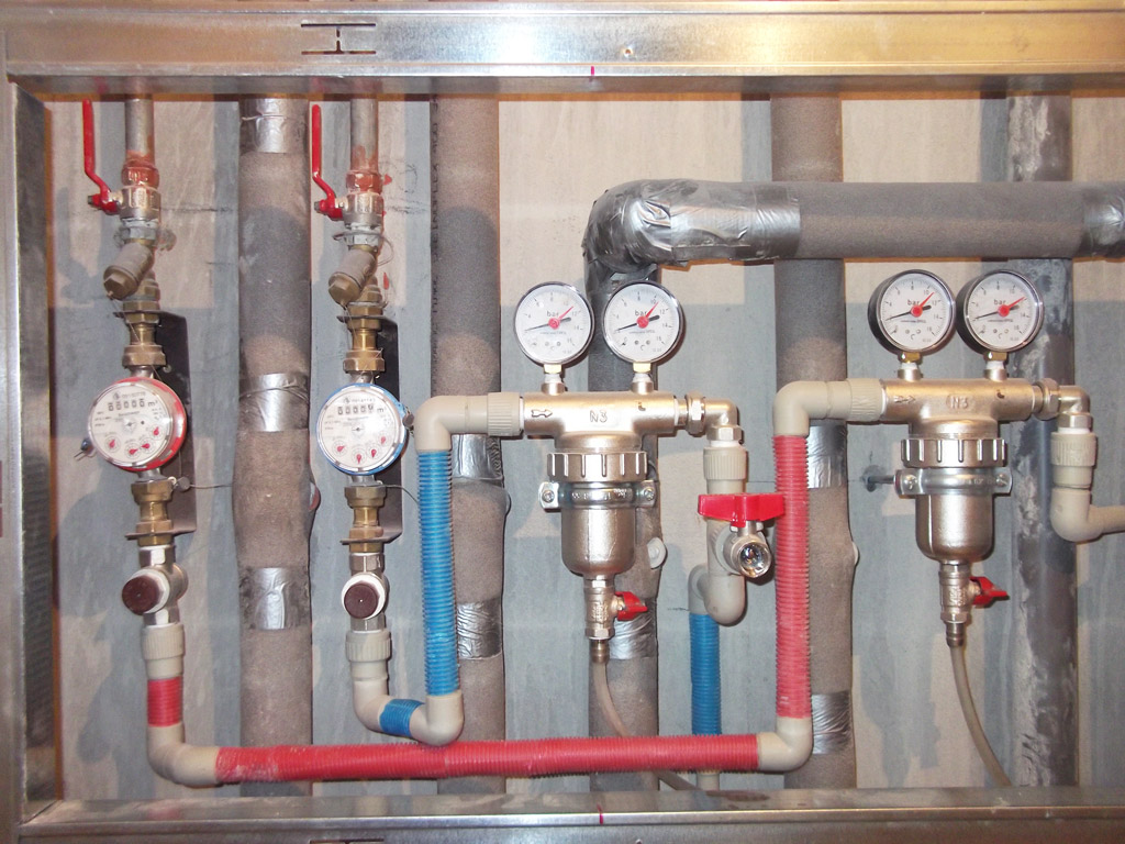 Счетчики воды, регуляторы давления, самопромывные фильтры